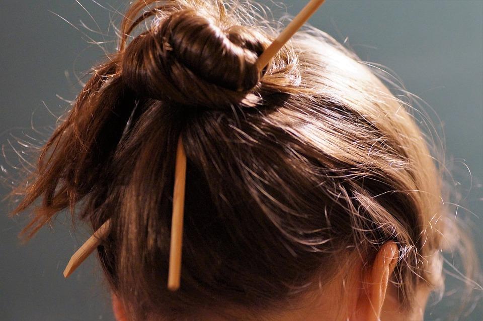 Comment chouchouter vos cheveux secs ?
